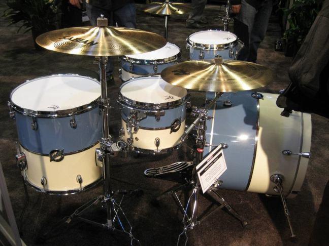 NAMM 2012 Gretsch drums Blue white wrap