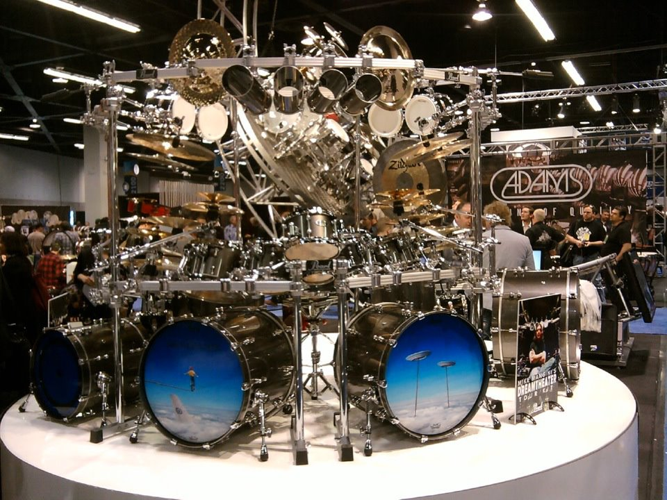 namm 2012 pearl drums mike mangini from dream theater 01. Black Bedroom Furniture Sets. Home Design Ideas