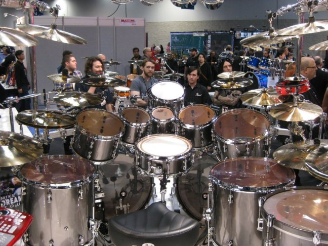 NAMM 2012 Pearl drums Mike Mangini from Dream Theater (02)